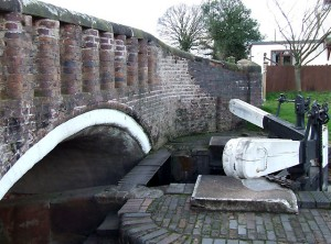 awbridge-bridge-and-lock-staffordshire-and-worcestershire-canal-765047